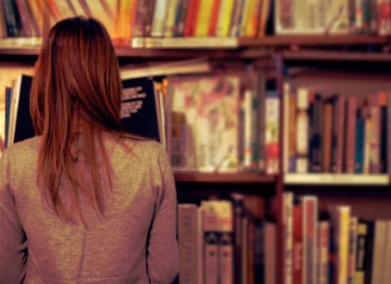 Carti preferate de adolescenti - ce lecturi isi doresc sa regaseasca tinerii in manualele de Limba si Literatura Romana?