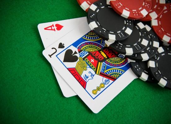 Blackjack online cu dealeri live. Tot ce trebuie sa stii